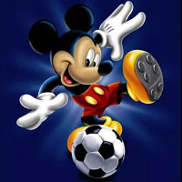 Игра Микки Маус играет в футбол онлайн
